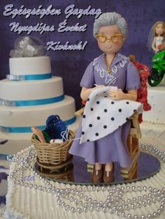 Cute Polymer Clay, Polymer Clay Dolls, Polymer Clay Crafts, Felt Crafts, Grandma Cake, Clay Figurine, Fondant Figures, Pasta Flexible, Cold Porcelain