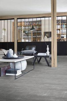 Handyfloor   Concrete 3D   Deze tegellook pvc vloer heeft de uitstraling van ruw beton en geeft dan ook een stoere uitstraling aan uw interieur. Deze vinyl vloer is perfect te combineren met ruwe materialen zoals staal en leer. #pvc #vloer #pvcvloer #betonlook #tegellook #tegel #industrialloft Industrial Loft, Intp, Modern, Concrete, Divider, New Homes, House, Furniture, Home Decor