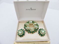 Trifari boxed set wreath brooch and earring set shades of green AA628