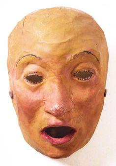 """Máscara de """"Os vellos non deben de namorarse"""", xullo 1941, papel pintado, 22 x 15 x 11 cm. Museo de Arte Contemporánea Carlos Maside, Sada (A Coruña):"""