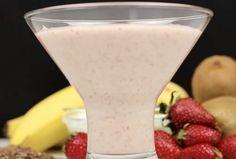 Ota tavaksi juoda terveellinen smoothie joka aamu. Voimme vaikuttaa terveyteemme joka päivä pienillä teoilla ja valinnoilla. Aamiainen on erittäin tärkeä osa päivää ja siksi terveellinen aamiainen tulisi ottaa tavaksi. Tämä helppo ja nopea smoothie tarjoaa runsaasti tärkeitä vitamiineja ja ravintoa Martini, Glass Of Milk, Smoothies, Food And Drink, Lose Weight, Pudding, Healthy Recipes, Healthy Food, Snacks