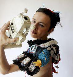 MONaluisonportraitp31 Sculpture Textile, Art Textile, Textiles, Mixed Media Collage, Needlework, Creations, Knitting, Fabric, Fiber