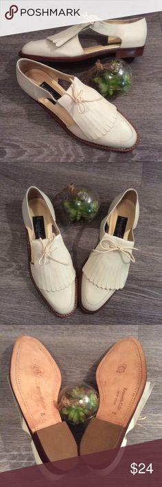 🌻NEW Vintage Ivory Genuine Leather sandals flats Super cute vintage sandals that look like they have only been worn once or not at all? They're spectator style with cut outs on the sides. Super cute for summer and transitioning into fall. Size 7 genuine leather, made in Brazil. Vintage Shoes Sandals