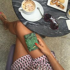 Green lover  . Yeşil piton slim cüzdan  #cool #lifestyle #green #python #slimwallet #luxe #accessories #serapaktugleathergoods #slimwallet #wallet #cüzdan #incecüzdan #lüksderiaksesuarlar #gercekpitonderisi #cüzdan #look