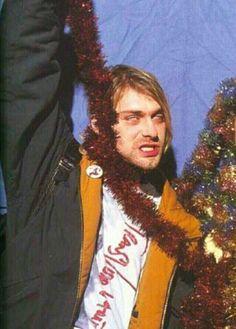 I love u Santa I love u so much I wanna hang wit choo. Nirvana Kurt Cobain, Kurt Cobain Photos, Banda Nirvana, Nirvana Art, Nirvana Lyrics, Kurk Cobain, Pretty People, Beautiful People, Kurt And Courtney