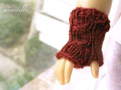 A custom order I did, a pair of wine-colored gloves.   {By mimiville on etsy}