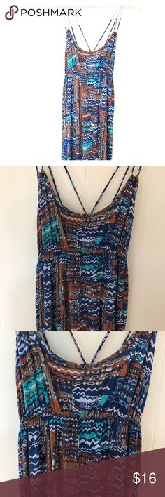 Boho print maxi dress Boho maxi dress. EUC. A tiny hole on back of dress, which is not noticeable unless looking very closely. Tinley Dresses Maxi