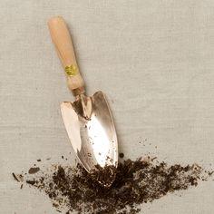 Castor Trowel in Gardening UTILITY Tools at Terrain