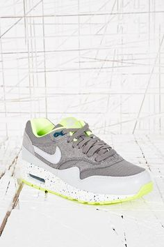 Nike Air Max Premium Vintage in Grey at Urban Outfitters