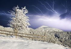 Pictures of Thundersnow | Pouring Thundersnow | The Antarctic Book of Cooking and Cleaning