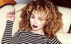 ella eyre - embracing your big hair Ella Eyre Comeback, Curly Hair Styles, Natural Hair Styles, Tori Kelly, New Hair Colors, Hair Colour, Dream Hair, Curly Girl, Big Hair