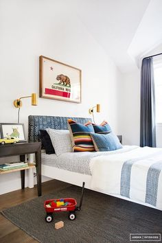 Colourful eclectic children's room