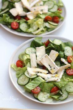 Salát s modrým sýrem a medovou zálivkou Pavlova, Cobb Salad, Feta, Salads, Cheese, Dressings, Blog, Recipes, Fitness