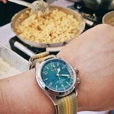 Mac & Cheese anyone?    #seikosunday with the green dial SARB017 on @crownandbuckle nato watch strap  #SeikoJDM #seikoalpinist #seikowatch #SARB017 #SeikoSARB017 #vintagewatches #PinoyWatchPamilya #natowatchstrap