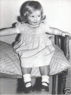 Diana Frances Spencer was born July 1, 1961 in Sandringham, Norfolk, England to Edward and Frances Spencer.