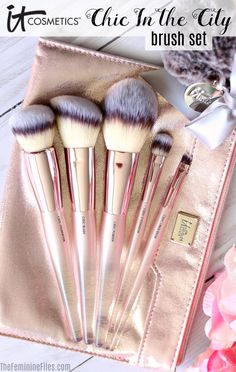 It Cosmetics Chic In the City Brush Set
