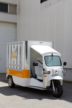 MMVV TUK TUK Mobile Bar, Food Trucks, Recreational Vehicles, Electric, Building, Construction, Camper Van, Portable Bar, Buildings