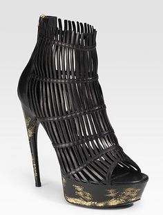 Alexander McQueen imagines how chinese baskets can be worn on the feet