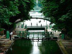 Paris, Canal Sain-Martin, un endroit hors du temps en plein Paris, j'aime ce quartier
