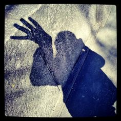 #Nosferatu #isokäsi #Shadowselfie #omakuvia #satuylävaara #varjoni #gothic #stonefence