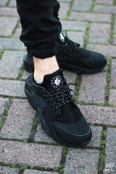 new concept 2d4bf f10d6 Image of Nike Air Huarache