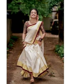 South Indian Wedding Saree, Indian Wedding Gowns, Indian Bridal Outfits, Indian Bridal Fashion, Indian Designer Outfits, Mehendi Outfits, Indian Gowns, Indian Wear, Designer Dresses