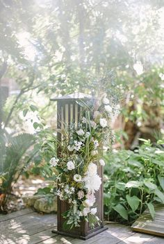 unique wedding flowers | Image by Saya for Studio Ohlala