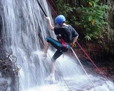 Rapel na Cachoeira