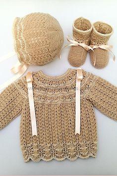 Primera puesta de lana fina para bebé y perlé de algodón. Mod. Ondas Baby Cardigan Knitting Pattern, Baby Knitting Patterns, Crochet Patterns, Crochet Baby, Knit Crochet, Baby Wearing, Free Pattern, Sweaters, How To Wear