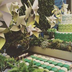 Hoje e amanhã estaremos na Fashion Wekeend Kids que acontece no Shopping Cidade Jardim! Mesa maravilhosa by @mazedecoreflor !!! Ficaram curiosos? Venham ver de pertinho! @fashionweekendkids #maymacarons #macarons #fashionweekendkids2015 #mesasdecoradas #verde #degrade #tons #personalizado