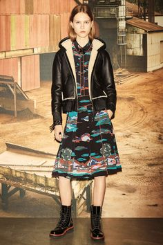 See the complete Coach 1941 Pre-Fall 2016 collection.