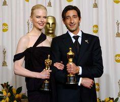 IlPost - 2003 - Adrien Brody, Il Pianista. Nella foto, Brody con Nicole Kidman, Miglior attrice protagonista per The Hours. (Frank Micelotta/Getty Images)
