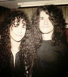 Kirk Hammett of Metallica and Joe Perry of Aerosmith Joe Perry, Metallica, Steven Tyler Aerosmith, Kirk Hammett, Gifs, Just Dream, Grunge Girl, Thrash Metal, Perfect Boy