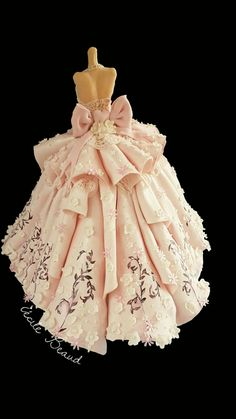 New Doll Dress Cake Wedding Gowns Ideas Wedding Dress Cake, Wedding Cakes, Wedding Gowns, Pretty Cakes, Beautiful Cakes, Fondant Cakes, Cupcake Cakes, Cupcakes, Dolly Varden Cake