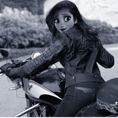 Hi i'm Piper i am 16 i'm a biker yes i belong to a gang just me and my girl friends and my boyfriend his name is Hayden! I love my bike i also love clothes outside and kids!