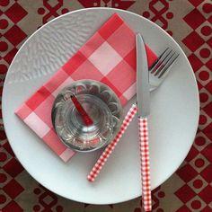 table setting, petit carre