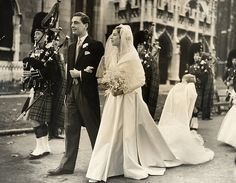 David Ogilvy, 13th Earl of Airlie married Virginia Fortune Ryan, daughter of a wealthy American businessman John Barry Ryan and his wife, Margaret, daughter of wealthy financier Otto Kahn. The wedding took place at St Margaret's Church, Westminster, in the presence of Queen Elizabeth, the Queen Mother and Princess Margaret.[7]