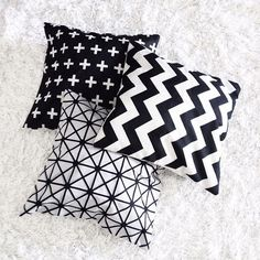 ✖️ Combo de almofadas geométricas 〰 elas são do aliexpress 〰 a qualidade é ótima, mas me desagradou o tecido que é muito rústico.…