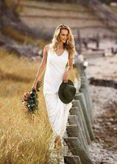 Bohemian Bride, Bohemian Wedding Dresses, Wedding Gowns, Bohemian Style, Charlie Brear Wedding Dress, Estilo Hippie Chic, Hannah Ferguson, Dress Out, Girl With Hat