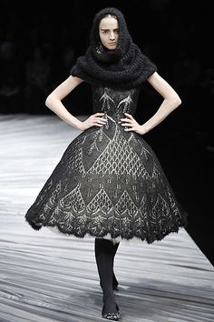 Alexander McQueen #gothic #outfit #black