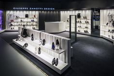 Selfridges unveils £4m menswear department in Birmingham - Retail Design World