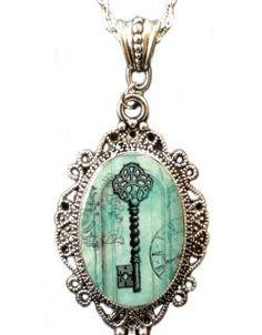 Skeleton Key Cameo Necklace