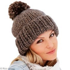 Simple and easy knit hat in ribs and jersey - Suggestions and tutorial crochet and knitting Bonnet Crochet, Crochet Wool, Knitted Hats, Easy Knit Hat, Knit Beanie, Newborn Crochet Patterns, Big Knit Blanket, Slouchy Beanie, Knitting