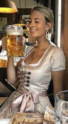 Octoberfest Girls, Drindl Dress, Beer Maid, Oktoberfest Outfit, Beer Girl, German Women, Pin Up, Beer Festival, Root Beer