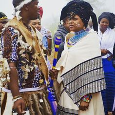 Beautiful Kanya at her traditional wedding, channeling a young Winnie Mandela.  Umbhaco and Beadwork by Ntombobom
