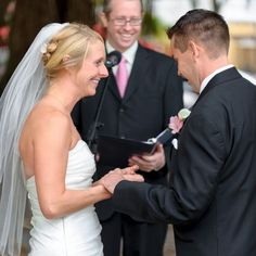 Heather and Steve were married by their good friend, which made the ceremony so personal and special for them. Both the bride and groom's fathers gave readings during the ceremony. Image credit: Andi Diamond Photography