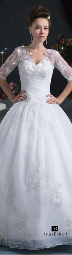 Attractive Organza V-neck Neckline Ball Gown Wedding Dresses With Beaded Lace Appliques