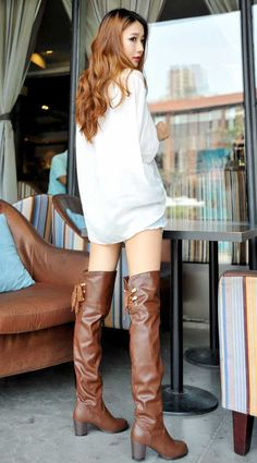 How To Shop For The Perfect Pair Of Shoes. Everyone needs shoes so it makes sense to purchase shoes that look good and are of a good quality so they will last for years. Thigh High Boots, Over The Knee Boots, Asian Woman, Asian Girl, High Leather Boots, Brown Boots, Lingerie, Fashion Boots, Womens Fashion