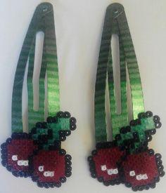 #Ganchos de #pelo para niña de #cerezas con #hamabeads mini  #HOWTO #DIY #artesanía #manualidades #reciclaje