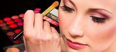 Vrouwen onzeker zonder make-up door beautybloggers
